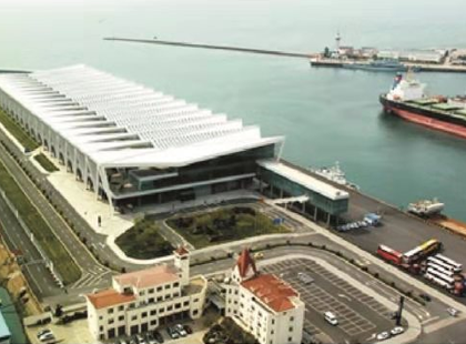 青岛港客运码头水性重防腐漆工程